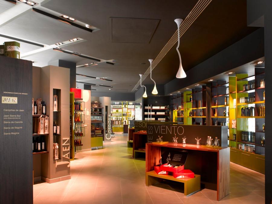 Museo del aceite en las tiendas de Abades Puerta Andalucía