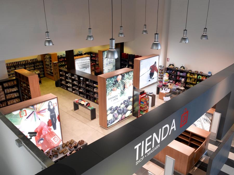 Tienda de productos típicos en Abades Puerta Andalucía