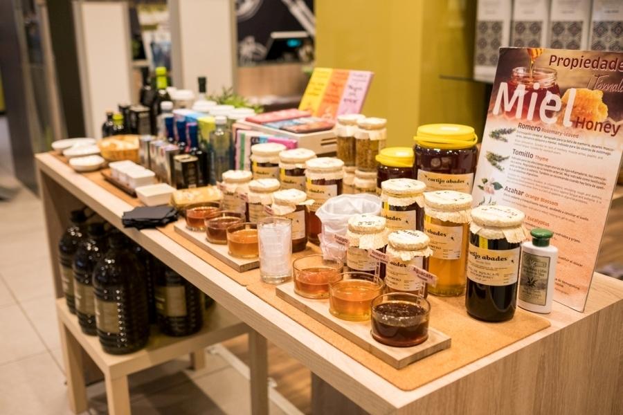 Selección de mieles para la degustación de clientes